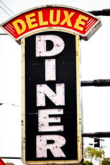 Deluxe Diner (Thomas Hawk) Tags: usa chicago restaurant illinois neon unitedstates unitedstatesofamerica diner cookcounty chicagoland windycity deluxediner