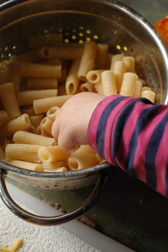 Lu helped to make mac and cheese