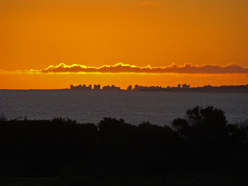"Punta del Este silhouette | <a href=""http://www.flickr.com/photos/59207482@N07/4704665955"">View at Flickr</a>"