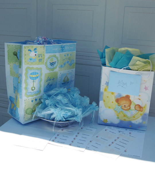 hydrangeas+succulents+roses+its a boy+baby shower decor ideas -9