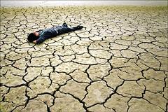Sueños sobre una tierra rota (Inmacor) Tags: relax pantano descansar dreams land otoño soledad chico dormir niño sed pensar tierra sequia grietas tumbado beniarres mywinners ltytr2 ltytr1 ltytr3 ltytr4 ltytr5 inmacor encontactoconlatierra
