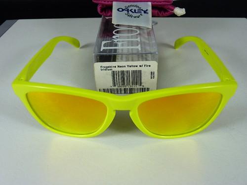 4b2326d9c3 Neon Yellow Oakleys