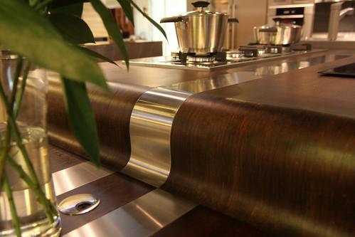 不锈钢与木得结合
