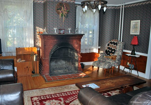 Chapman Inn Living Room