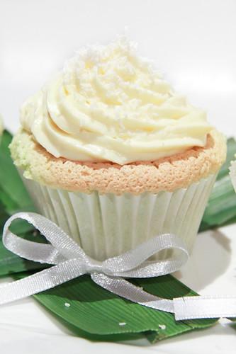 Pandan Chiffon Cupcakes-6