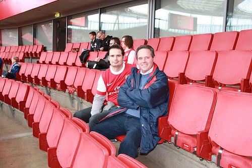 Vater und Sohn Advocaat im Club-Level Bereich