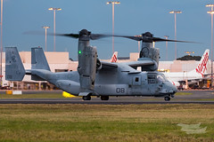 US Marines V-22 Osprey 07 YSSY-8356 (A u s s i e P o m m) Tags: v22 osprey v22osprey usmarines sydneyairport syd yssy mascot newsouthwales australia au