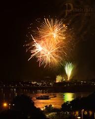Fireworks III (pixelcraftstudio) Tags: canada canon canada150 canadaday ottawa ottawariver rideau fireworks 6d canon6d 100mm