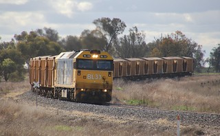 BL33 approaches Murtoa on 7769 loaded mineral sands from Hopetoun