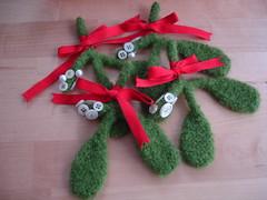 4 Mistletoes
