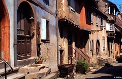 Eguisheim - Alsace (Philippe_28 (maintenant sur ipernity)) Tags: france eu alsace distillery 68 hautrhin eguisheim leuropepittoresque