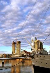 Puerto Madero (Lumley_) Tags: water argentina rio puerto puente canal mujer agua nikon barco buenos aires ciudad tango cielo calatrava nubes vicente madero 1855mm lumley 2009 rascacielos rubio d60