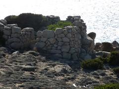 Un peu de civilisation sur le sentier de Testarella