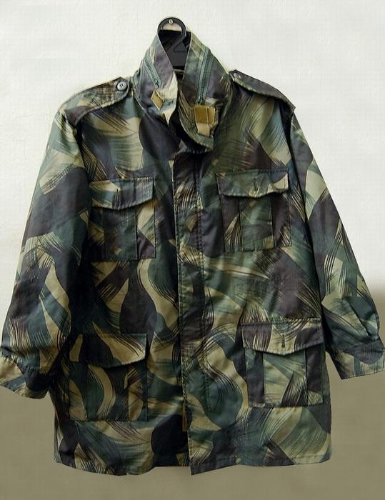 Bilik barang military totis 4250553075_a219942e77_o