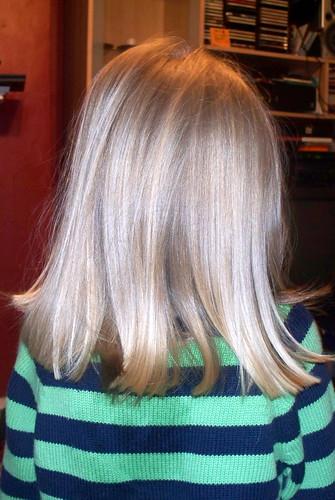 alex_short_hair_back