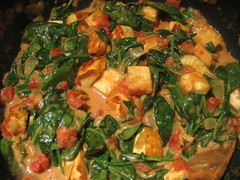 Curry with spinach and homemade paneer