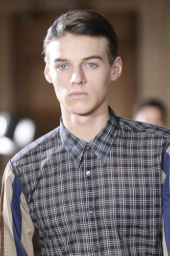 Robbie Wadge3193_FW10_Paris_Dries Van Noten(diorboy@mh)