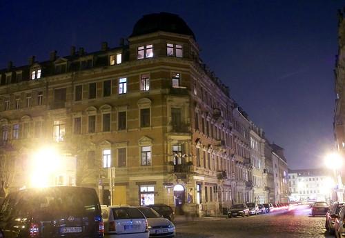 Martin-Luther-Platz bei Nacht