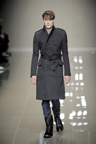 James Hampson3083_FW10_Milan_Burberry Prorsum(first VIEW)