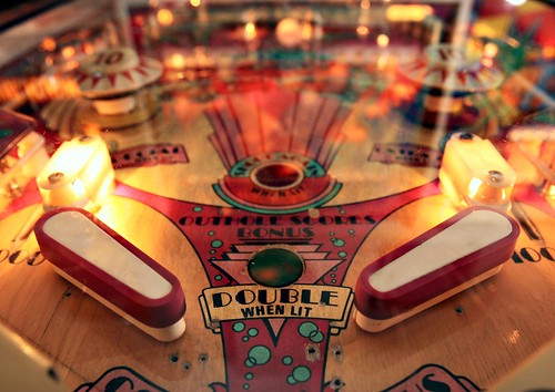 Lucky Ju Ju Pinball arcade (Photo by D. Ross Cameron/The Oakland Tribune)