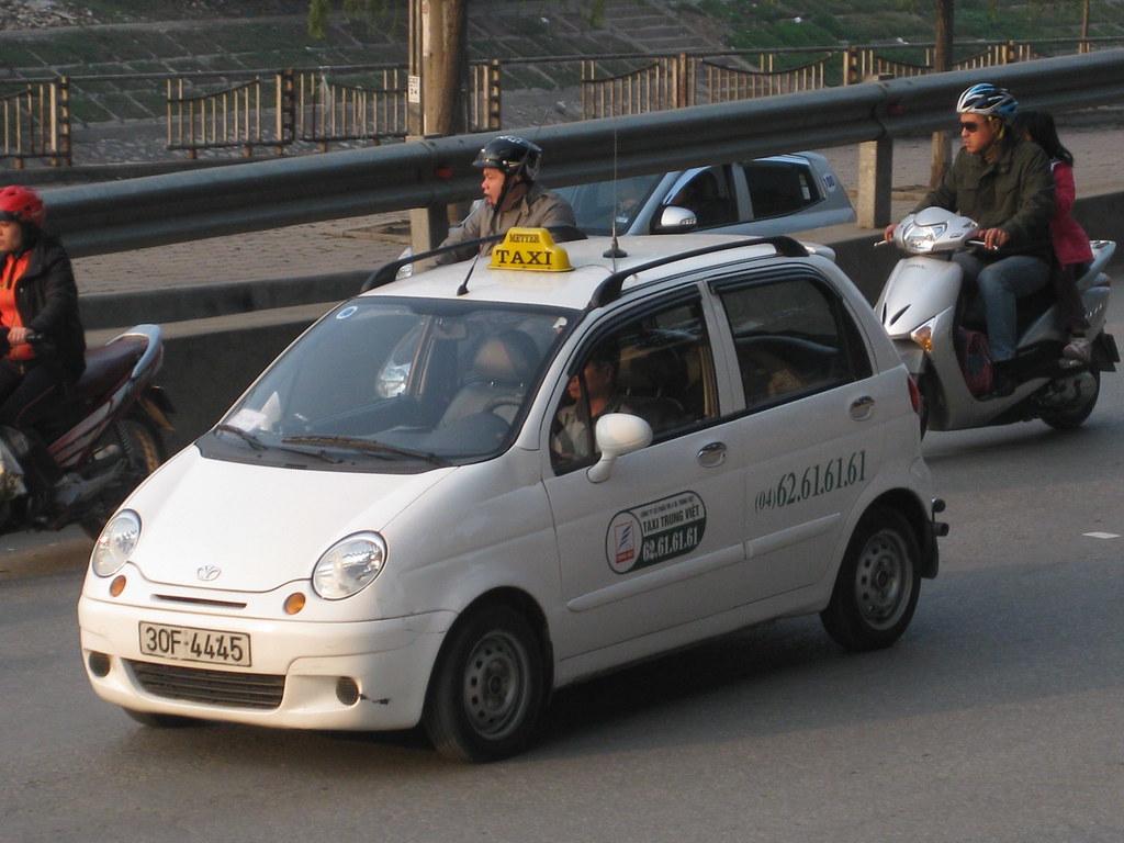 On street - Daewoo Matiz Taxi