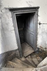 Chateau (rivende) Tags: detail abandoned raum treppe urbanexploration chateau schloss verlassen tren urbex marode aufgnge