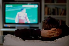 watch TV (D.Reichardt) Tags: sport germany 50mm 1 evening football tv europe availablelight watch 8 couch sofa stubben