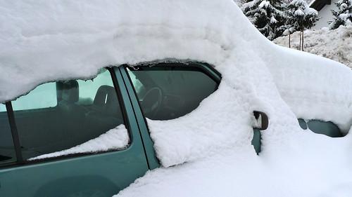 Zasneženi avto