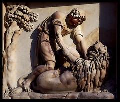 Intervallo metropolitano, Altorilievo, facciata del Duomo, Milano (emilius da atlantide) Tags: milano metropoli intervallo emilius httpwwwflickrcompeople47021817n02