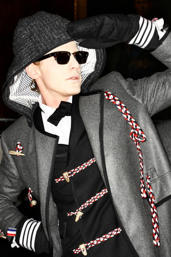Lenz von Johnston3021_FW10_NY_Thom Browne BS(sonny photos)