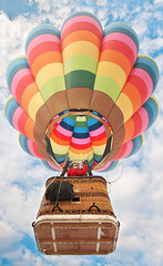 Up and Away (ecatoncheires) Tags: italy hot italia air baloon mongolfiera 2010 carpineti aerostato