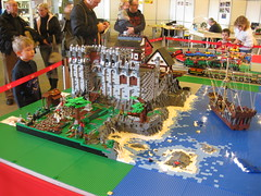 Grimmhavn im FEZ (THE BRICK TIME Team) Tags: berlin brick castle lego bob fez knight northland con diorama wuhlheide medival burg ausstellung 2010 westgate ritter moc afol mittelalter nordland brickcon thebricktime grimmhavn