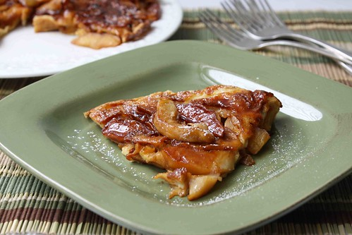 Baked German Apple Pancake Recipe with Nutmeg & Ginger
