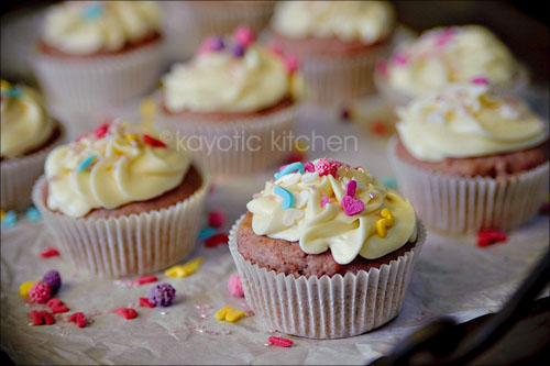 Raspberry Buttermilk Cupcakes