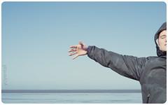 Frysln (YYNTL) Tags: sea primavera water waddenzee spring aqua meer free floating blues zee jacket fries wad lente friesland harlingen 2010 sense zeilboot jongen harns zweven vrijheid frisian frysln frysk hetwad jongeman itwaad blauwtonen