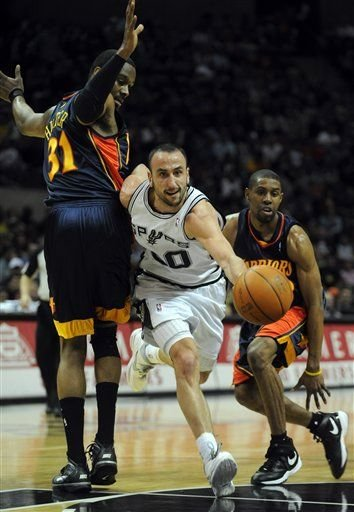 20100319-chris-hunter-manu-ginobili