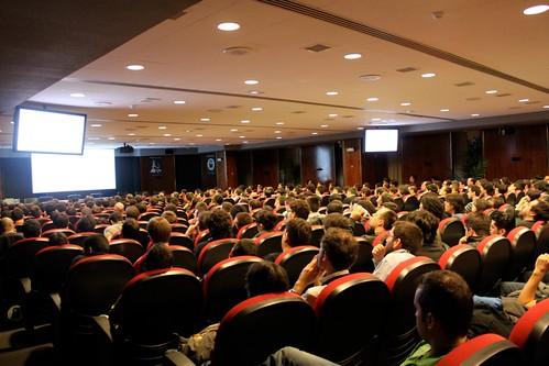 4476150111 3e88c6d385 Todas las charlas de la RootedCON 2011 en Video