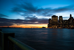 Skyline Sunset (Cran Burry (Matthew Nedbalsky)) Tags: ny brooklyn dumbo brooklynheights 2010 march31