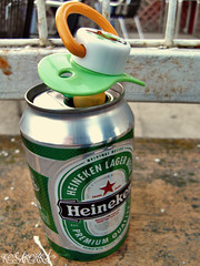 calm down, big boy (..::kosakonk::..) Tags: beer heineken cerveza cerveja pia birra bir pacifier bia biere olut bira cervesa chupete bere ttine sr servesa cervexa alus pombe biero pibo cervisia jwala utshwala garagardo lpiwo