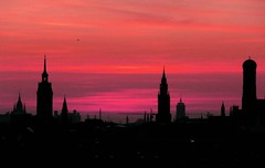 Sunset silhouette (dorena-wm) Tags: pink light sunset sky panorama tower silhouette munich mnchen bayern bavaria licht sonnenuntergang purple rosa himmel steeple lila spire 1001nights turm trme eveninglight abendlicht flickraward artofimages bestcapturesaoi 1001nightsmagiccity dorenawm