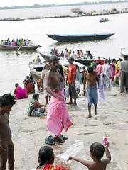 Father & Son 1.9 Varanasi (amiableguyforyou) Tags: india men up river underwear varanasi bathing dhoti oldmen ganges banaras benaras suriya uttarpradesh ritualbath hindus panche bathingghats ritualbathing langoti dhotar langota
