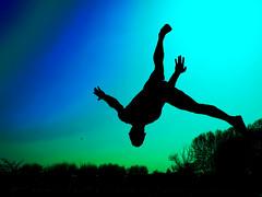 ckfivan (Ral M.Retamero) Tags: china contraluz atardecer mono fight fighter dragon arte sable sombra manos amanecer karate sin kungfu salto kung fu silueta wushu pelea rueda chinas artes aire combate tigre sombras lucha siluetas con espada shaolin ataque suelo carpa mortal defensa volando backflip grulla marcial volar acrobacias saltos patada acrobacia coreografia posicion nanbei enelaire artesmarciales artemarcial posiciones mortales marciales enelsuelo patadas combates carpado jianshu