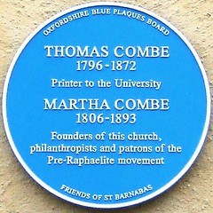 Photo of Martha Combe and Thomas Combe blue plaque