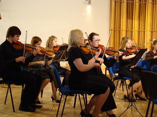 Skolu simfonisko orķestru finālkonkurss 17.aprīlī Jelgavas 4.vidusskolā.