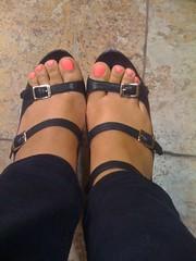 84666069 (chilltown1) Tags: feet toes ebony