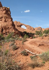 Skyline Arch Trail (Patricia Henschen) Tags: utah moab archesnationalpark skylinearch nationalparksweek2010