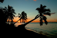 Another Samoan sunset (msdstefan) Tags: pictures trip travel sunset sea vacation sky holiday praia beach strand landscape island polynesia sand sonnenuntergang pacific pi