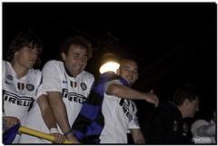 G-Inter Scudetto 18 - Milano 12 (Ròòò) Tags: milano duomo festa calcio inter fcinternazionale scudetto campioni campionato nerazzurri sneijder interisti krhin
