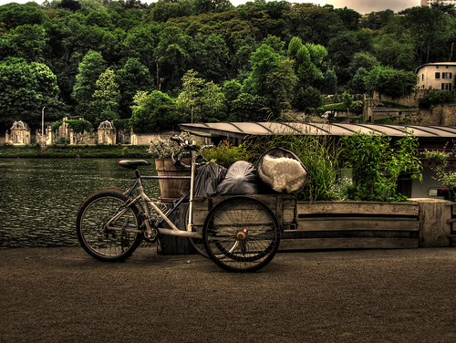 bicycle, near the banks of the river Saône, Quai Rambaud, Perrache, Lyon, France
