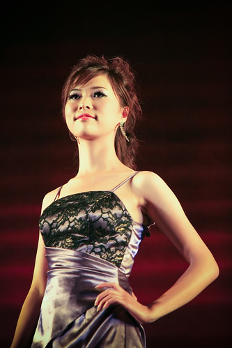 Fashion Model at Weinan Teachers University 50th Anniversary ( 渭南师范学院 )